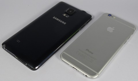 Smartphone-Samsung-Galaxy-Note-4-vs-iPhone-6